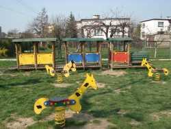 Plac zabaw przy przedszkolu 1